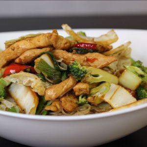 Pollo con fideos chinos Jama Fusión