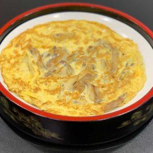 Huevo y pollo en tiras