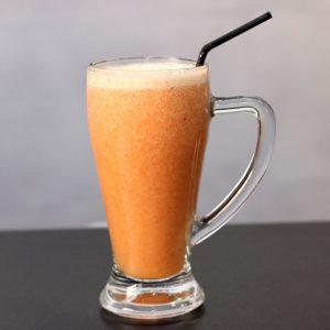 Mix de papaya, piña y fresa de fruta fresca