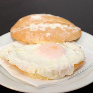 Pan con Huevo Frito Jama Fusión