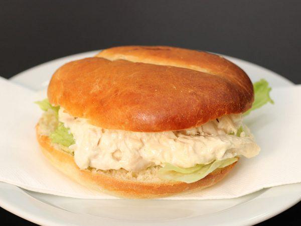 Pollo deshilachado con mayonesa casera